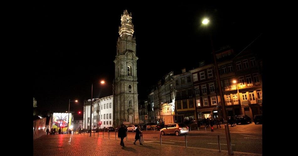 torre-dos-clerigos-noite
