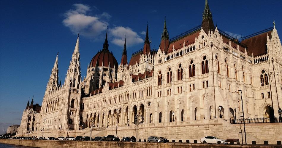 parlamento-hungaro-vista-do-rio