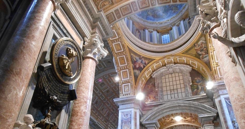 arquitetura-dentro-basilica-de-sao-pedro